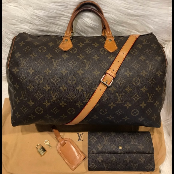 0bd44f195ae Louis Vuitton Handbags - Authentic Louis Vuitton Speedy 40   Wallet ...